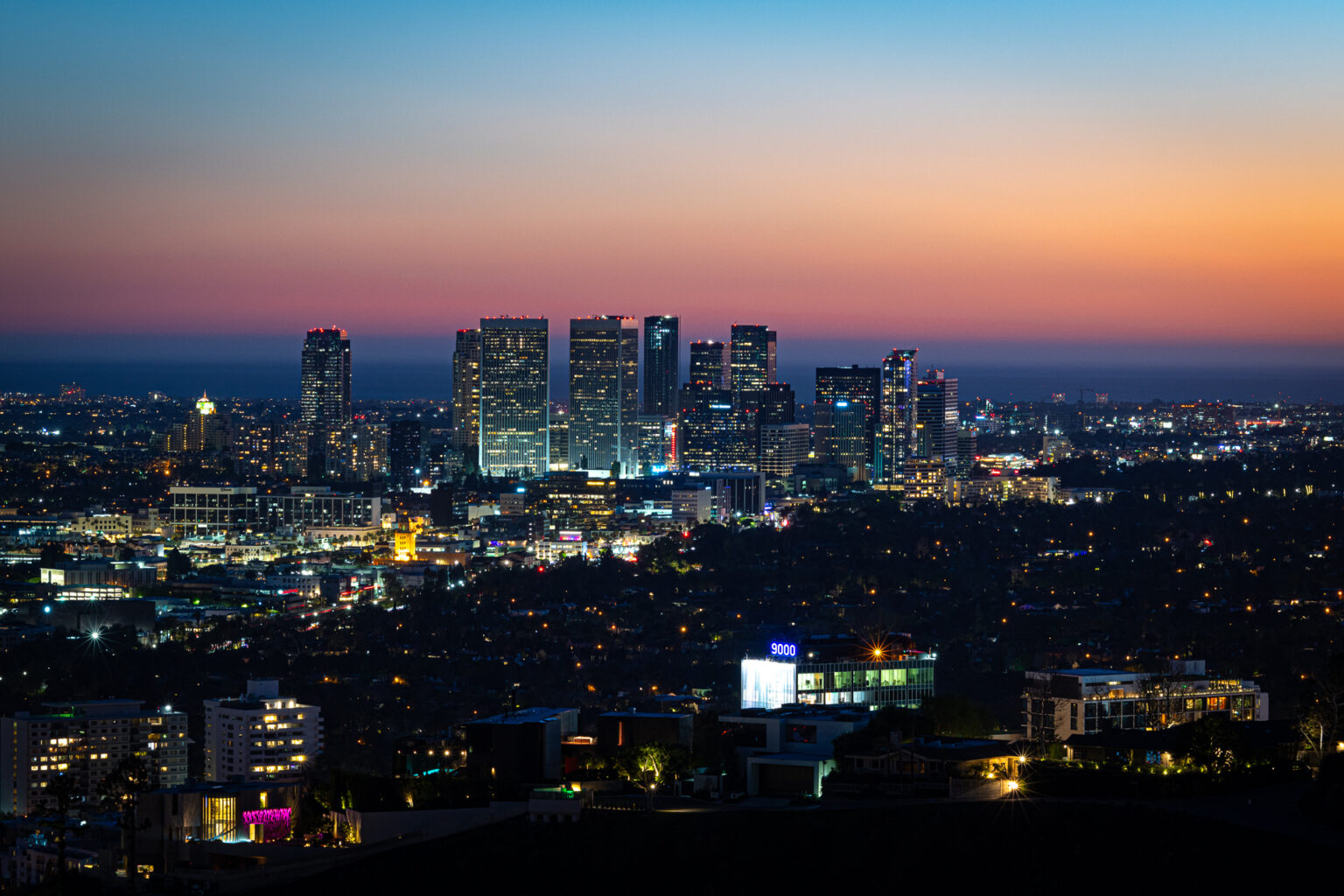 8760 Hollywood_LoRes_30